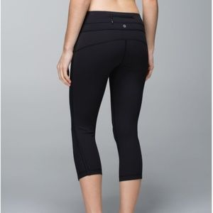 NWOT!  Lululemon Up The Pace Crop